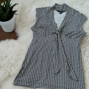 Banana Republic Top with tie front accent